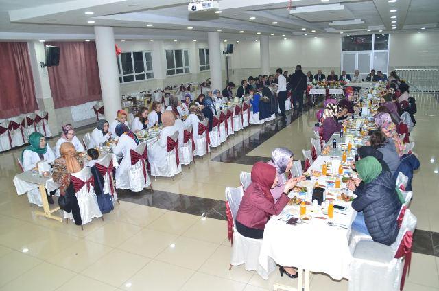 Elmas Koleji 24 Kasım Öğretmenler Gününü Kutladı