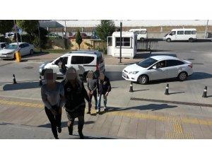 Sahte çek ile alışveriş yapan 3 kişi tutuklandı