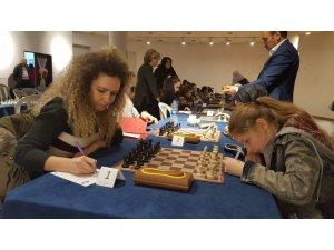 """36 kadın sporcu """"Şah-Mat"""" dediler"""