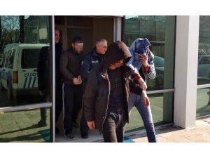 Yaşlı adamı darp eden 3 kişi tutuklandı