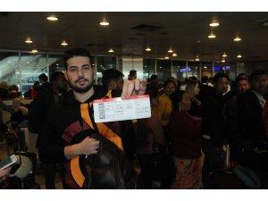 Sisten dolayı uçağı iptal olan Galatasaraylı taraftarlar maça yetişecek