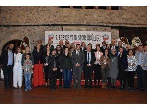 TSYD Ege yılın spor ödülleri verildi