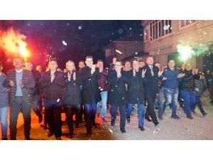 """Mustafakemalpaşa'da """"Bizim Mehmet"""" rüzgarı esiyor"""