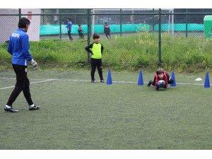 Yılport Samsunspor'un kalecileri futbol okulundan