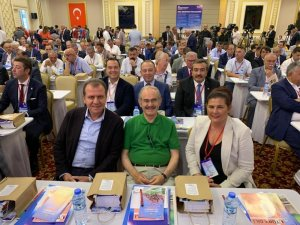 Başkan Akın CHP'nin Başkanlar Çalıştayı'na katıldı