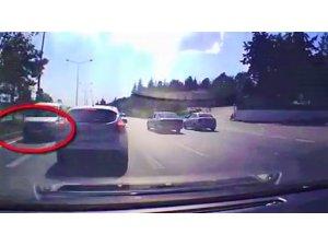 Çevre yolunda ters yönden giden araç tehlike saçtı