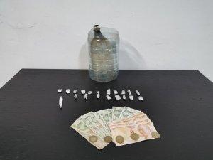 Uyuşturucu satıcısı ve kullanıcılar ormanlık alanda yakalandı