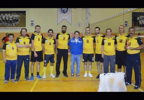 Hüyük'te düzenlenen voleybol turnuvası sona erdi