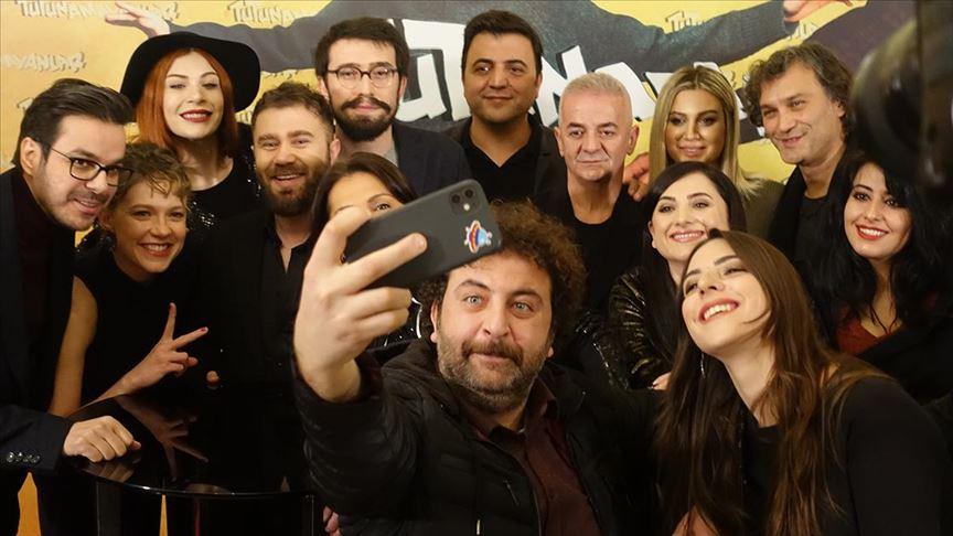 """TRT'nin yeni dizisi """"Tutunamayanlar"""" izleyiciyle buluştu"""