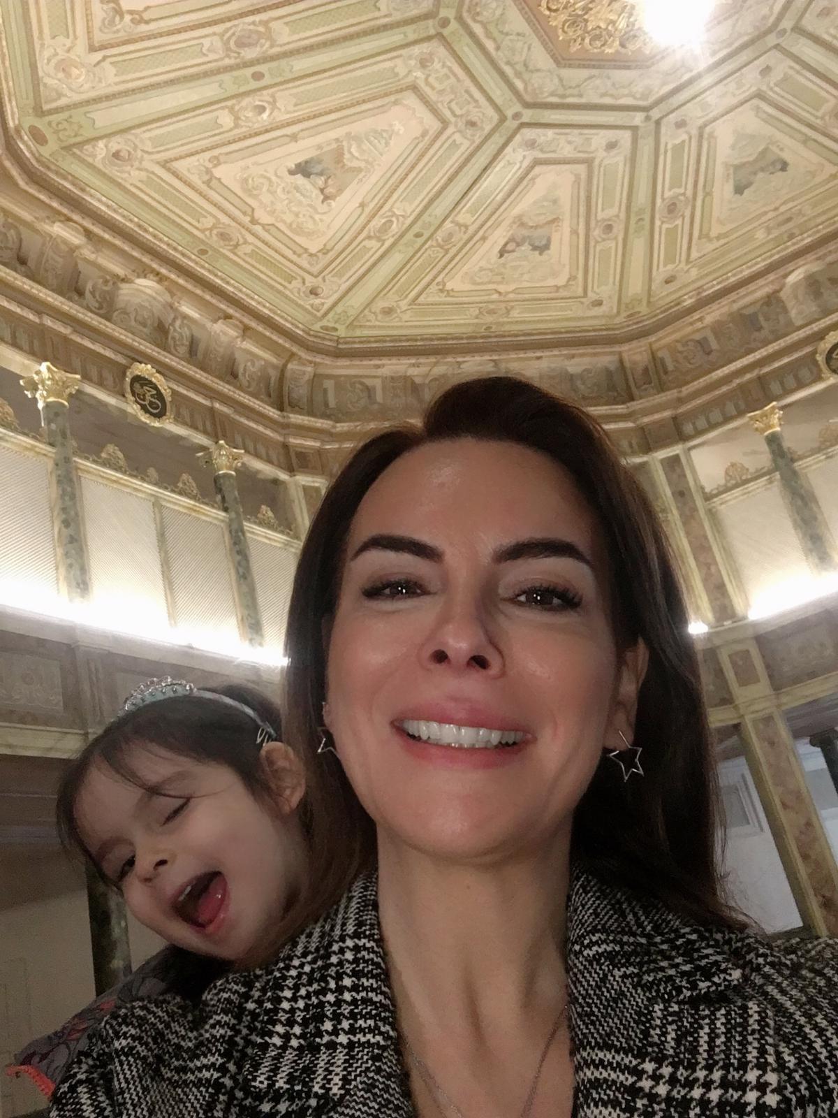 Oyuncu Seren Fosforoğlu, Uluslararası Müzede Selfie Günü etkinliğine katıldı