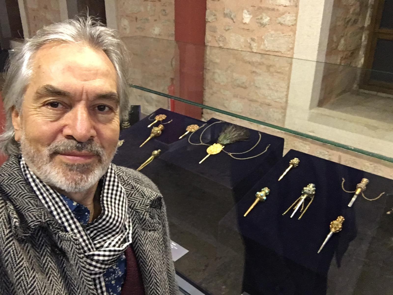 Ünlü isimlerden Müzede Selfie Günü'ne yoğun ilgi
