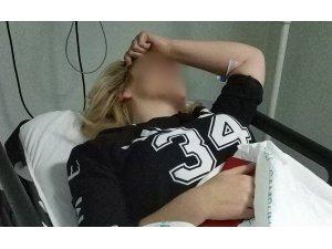 Genç kadın babasıyla tartışan kardeşi tarafından kazara bıçaklandı