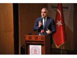 Kültür ve Turizm Bakanı Ersoy, taksici eğitim programında konuştu