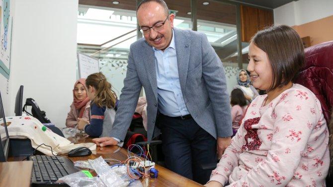 Meram'da çocuklar tatili 'Mehmet Ali Özbuğday Gençlik Merkezinde' değerlendirecek
