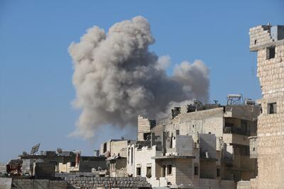 Rus savaş uçakları İdlib'i vurdu: 10 ölü