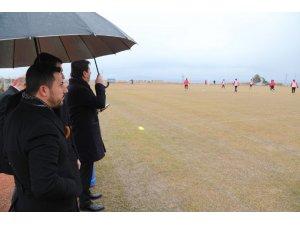Başkan Arı, Nevşehir Belediyespor antrenmanını izledi