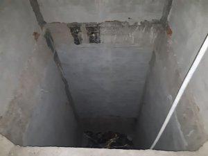 İnşaat halindeki binanın asansör boşluğuna düştü ağır yaralandı