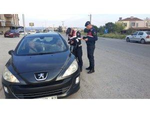 Jandarma 70 aranan şahsı yakaladı