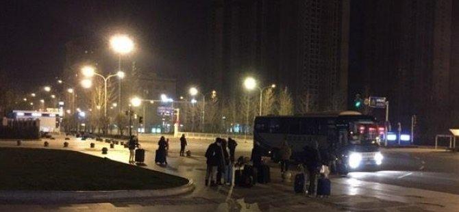 Çin'deki Türk vatandaşlarını getirecek askeri uçak Moğolistan'da