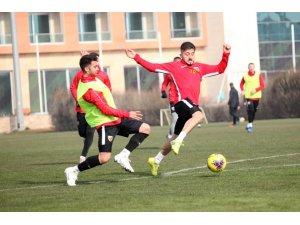 Kayserispor 7 oyuncuyu profesyonel yaptı
