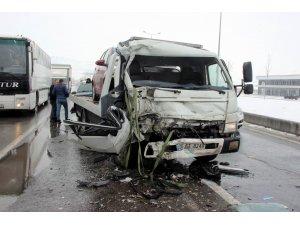 Çekici ile halk otobüsü çarpıştı: 6 yaralı