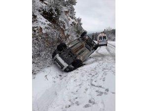 Yoldan çıkan hafif ticari araç takla attı: 1 yaralı