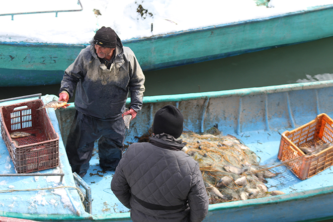 Balık avına soğuk hava molası