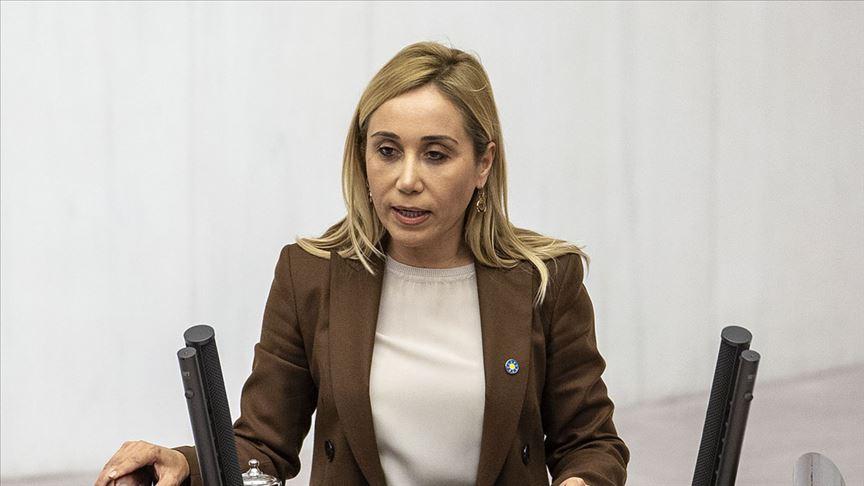 İYİ Parti Antalya Milletvekili Tuba Vural Çokal, partisinden istifa ettiğini duyurdu