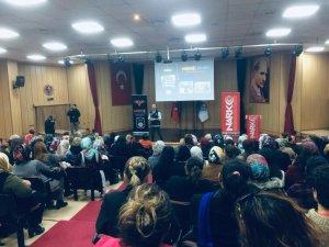 Mersin'de vatandaşlar uyuşturucu konusunda bilgilendiriliyor