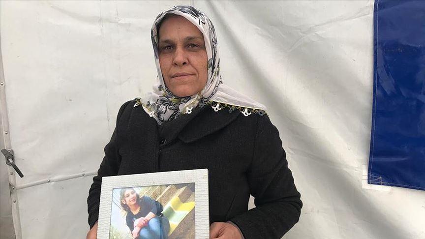 Müjdeyi Bakan Soylu verdi! HDP önünde eylem yapan bir aile daha evladına kavuştu