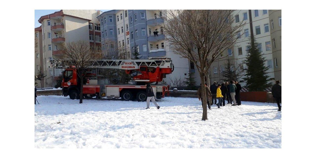 5. kattan atlayan şahıs ağır yaralandı