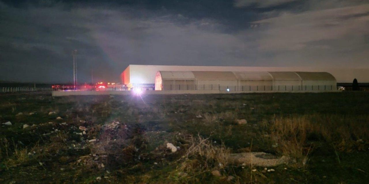 Kağıt fabrikasında yangın! 20 kişi etkilendi