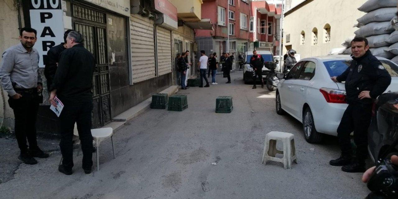 Adana'da silahlı park kavgası: 3 yaralı