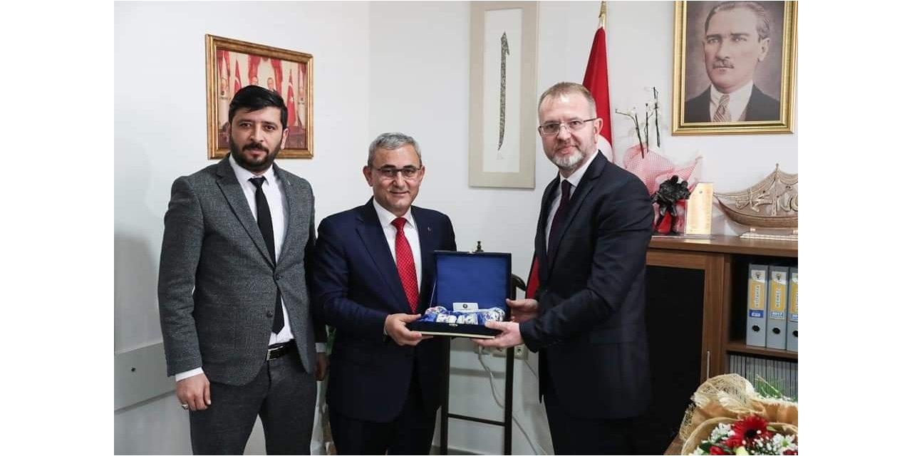 Belediye Başkanı Alim Işık ve MHP teşkilatından İl Başkanı Ceyhun'a hayırlı olsun ziyareti