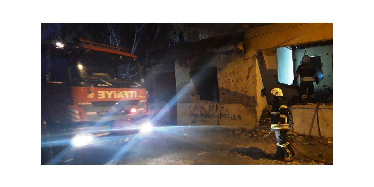 Aydın'da metruk binada yangın