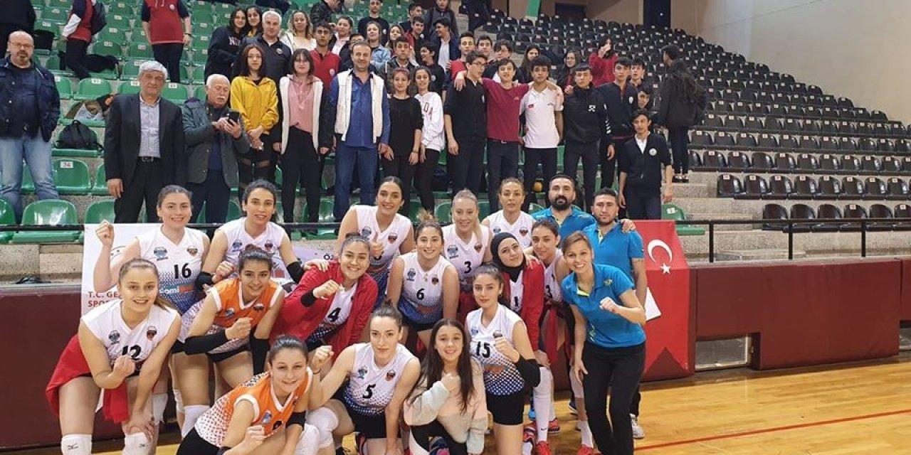 Kayseri OSB Teknik Koleji, İzmirspor karşısında