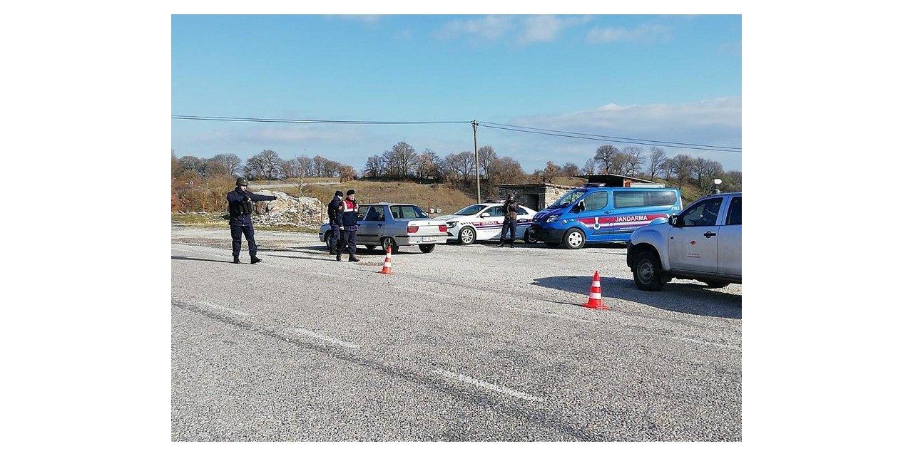 Jandarmadan aranan 22 kişiye operasyon