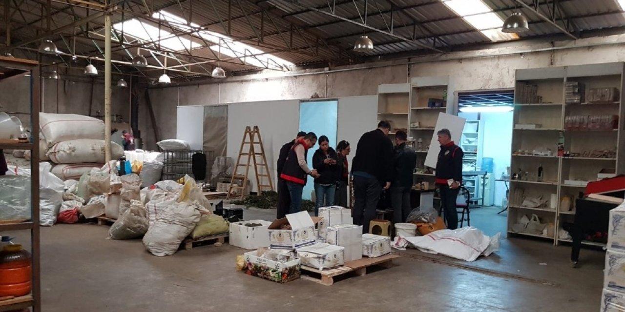 İzmir'de sahte dezenfektanlara polis baskını