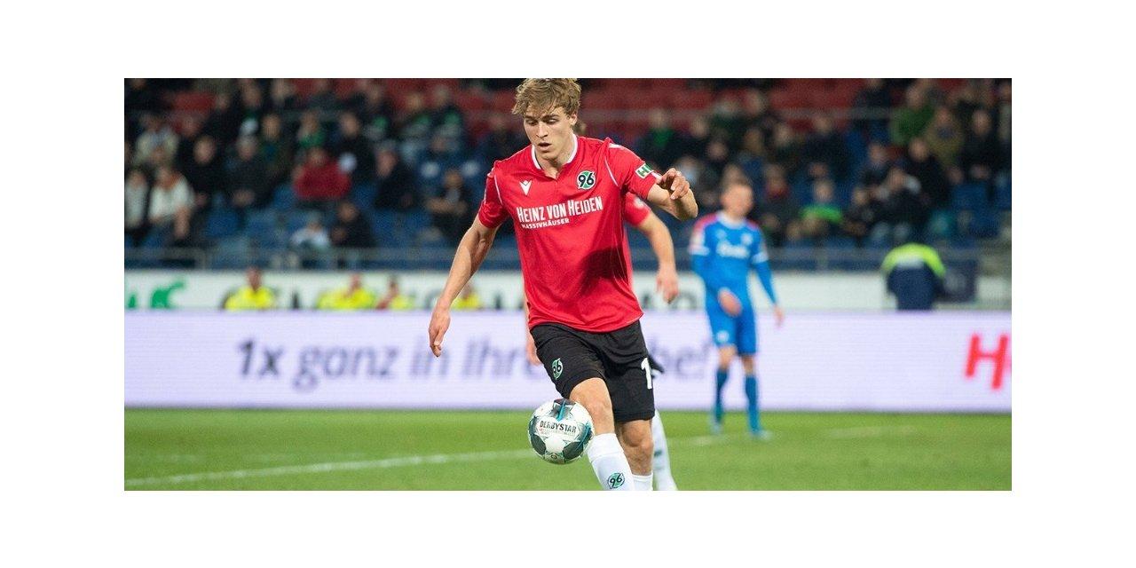 Hannover'lı futbolcu koronavirüse yakalandı!