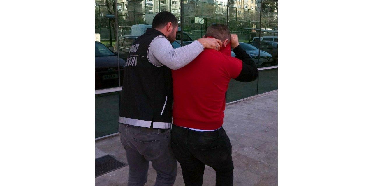 Samsun'da polisten kaçarken yanan araçtaki uyuşturucuyla ilgili gözaltına alınan sürücü tutuklandı
