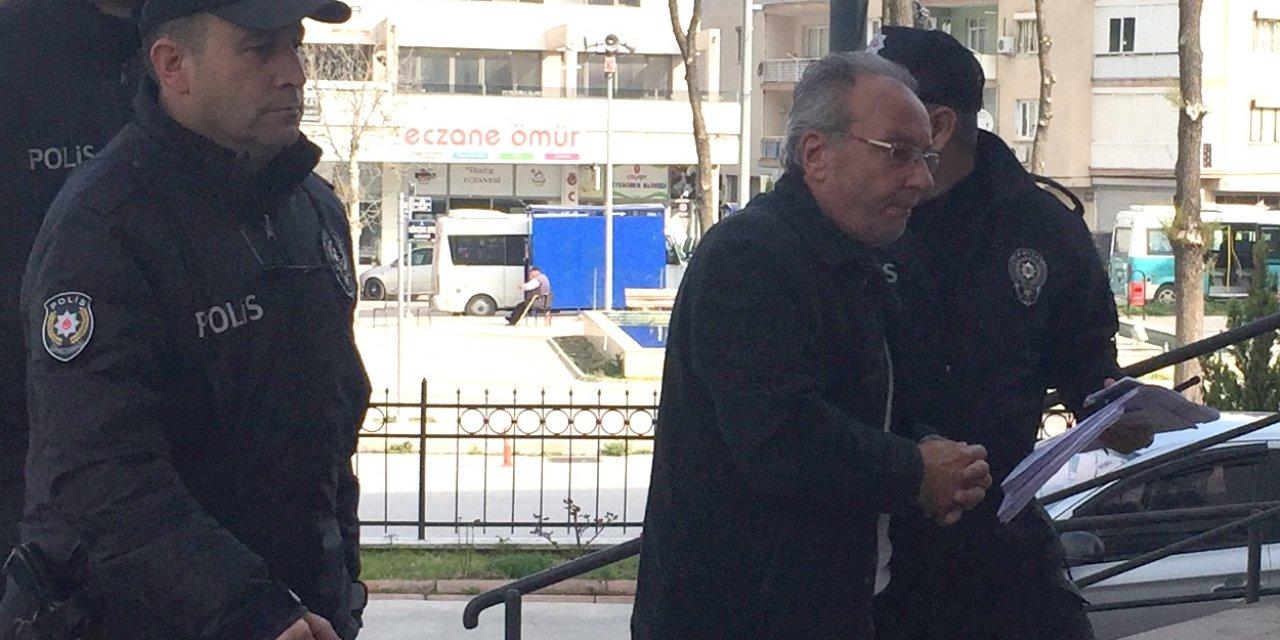 İzmir'de eski eşi tarafından öldürülen kadın defnedildi
