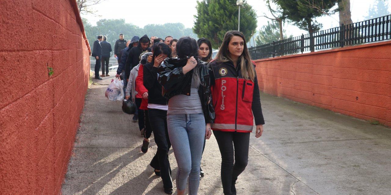 Balıkesir'de fuhuş ve uyuşturucu operasyonunda 5 tutuklama