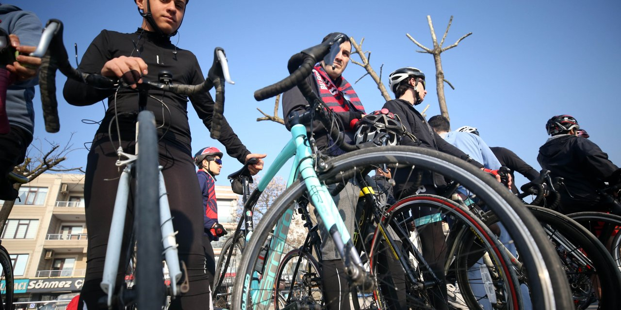 Düzceli bisikletçiler şehitler anısına 515 kilometre pedal çevirecek