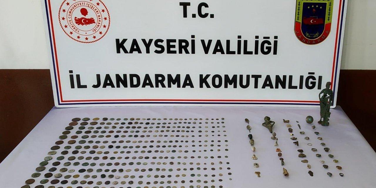 Kayseri'de tarihi eser operasyonunda 2 şüpheli yakalandı