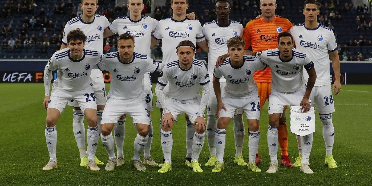 Danimarka'da futbola ara verildi, Kopenhag İstanbul'da
