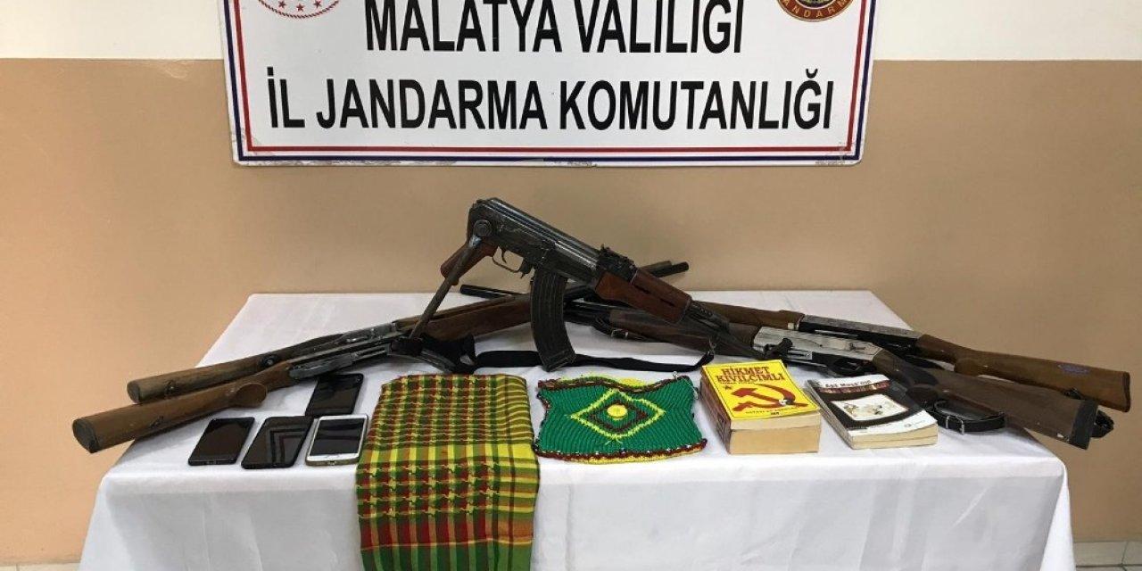4 şahıs silahlarla yakalandı
