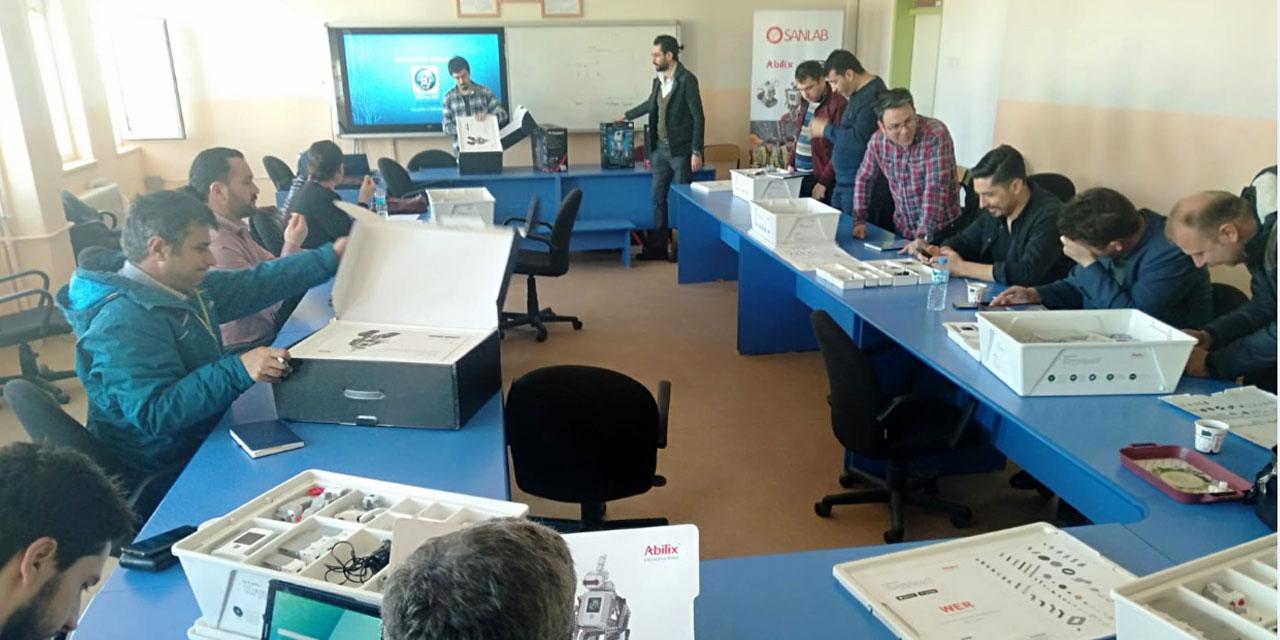 Beyşehir'de öğretmenlere robotik kodlama eğitimi