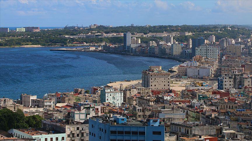 Küba Kovid-19 önlemleri kapsamında sınırlarını kapatıyor