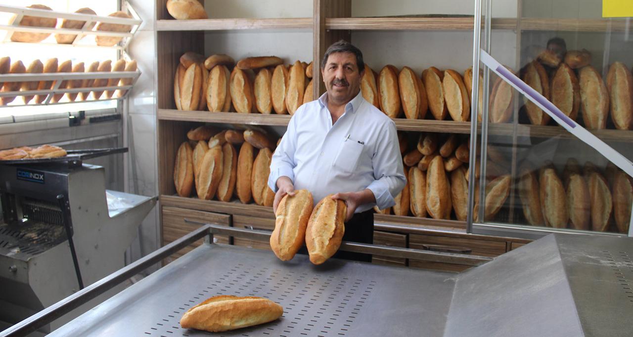 Yunak'ta sağlık çalışanlarına ücretsiz ekmek