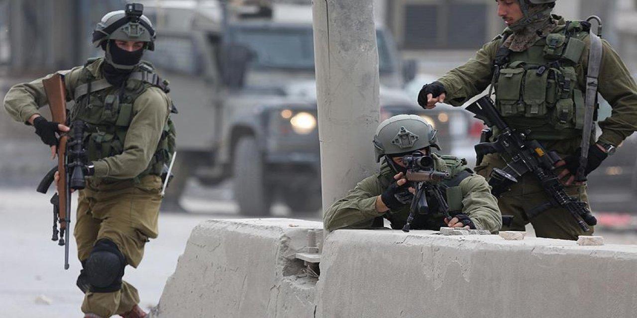 Siyonist İsrail, bir Filistinliyi daha şehit etti